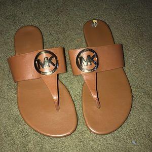 Michael kors sandals size 9